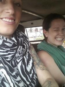 i en taxi-minibuss till Kampala