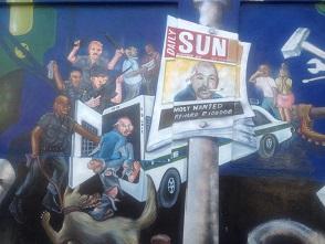 Uttryck av samhällets våld genom konst.