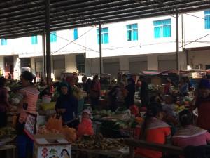 En del av söndagsmarknaden