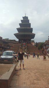 Det största templet i detta kulturarv: Bhaktapur. Templet är från 1200-talet isch.