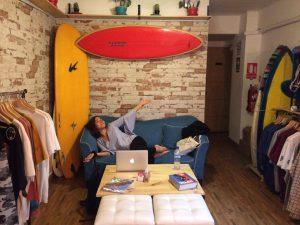 Sima på vårt favoritcafé, där vi pluggar
